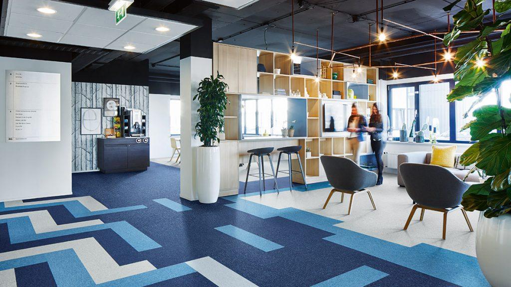 Firma Lavoro dystrybutor wysokiej jakości wykładzin Tessera/Westbond dywanowa wykładzina Planks. Wykładzina do firm, wykładzina do biur.